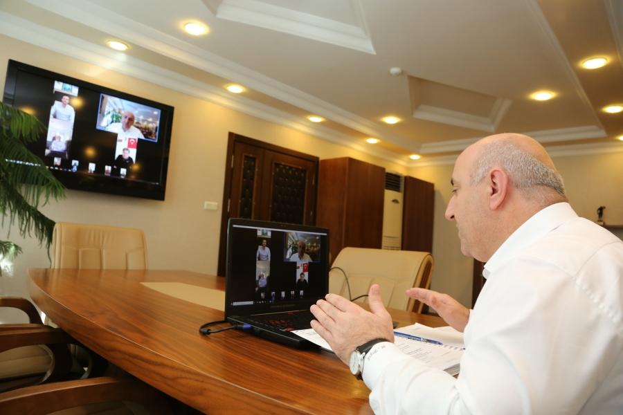 Başkan Bıyık, muhtarlarla video konferansla toplantı yaptı