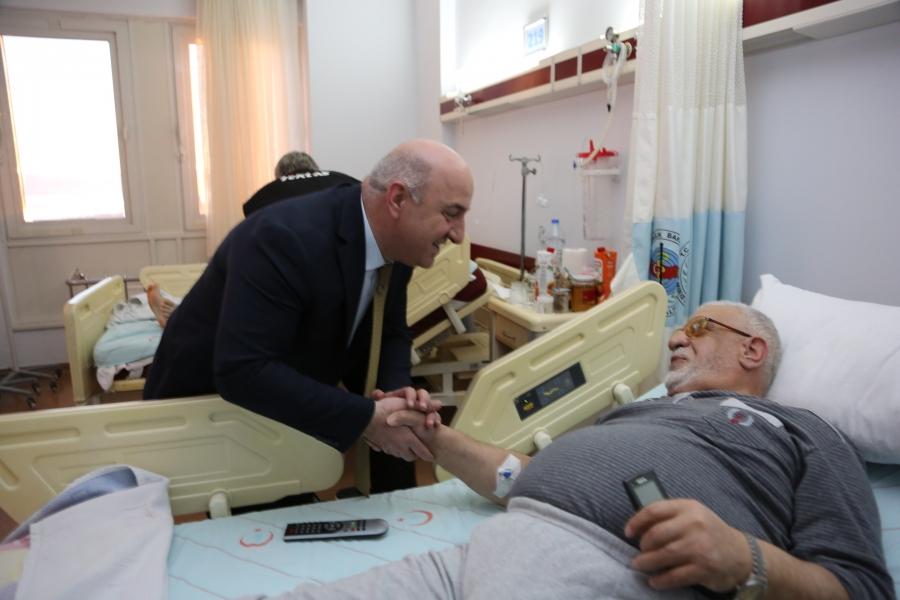BAŞKAN BIYIK, FARABİ'DE HASTALARI ZİYARET ETTİ